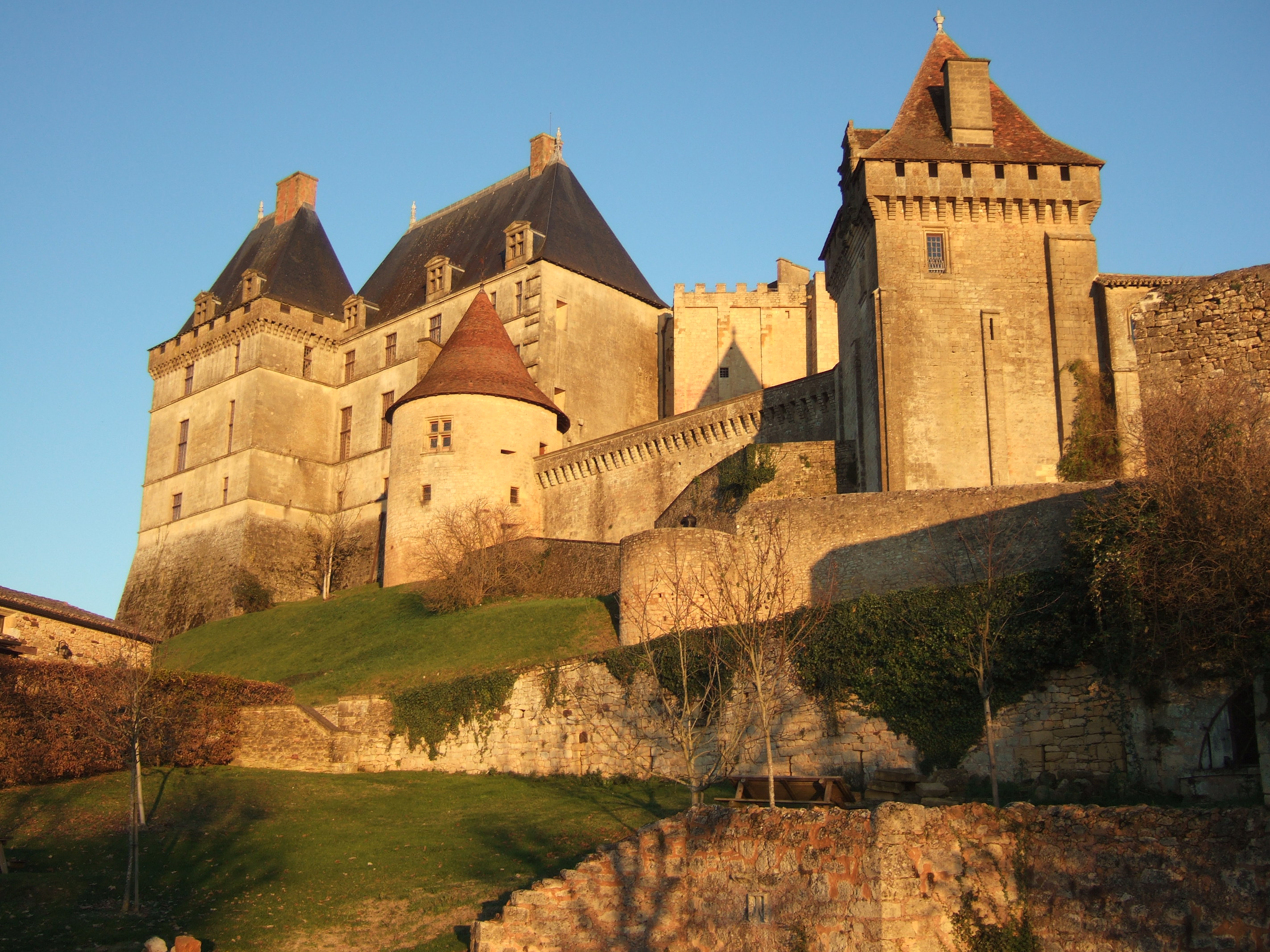 Christmas in france part 1 a visit to the chateau of for Chateaux in france to stay